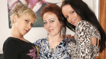Maturenl - Three Old And Young Lesbians Pee And Have Fun
