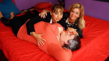 Maturenl - Three Horny Mature Ladies Going Full Lesbian