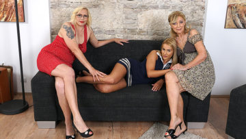 Maturenl - Three Old And Young Lesbians Go Full Force On The Couch