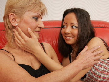 Maturenl - Two Hot Old And Young Lesbians Get It On